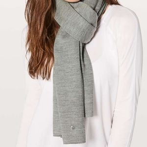 LULULEMON Grey All That Shimmers Scarf Wrap NWT!